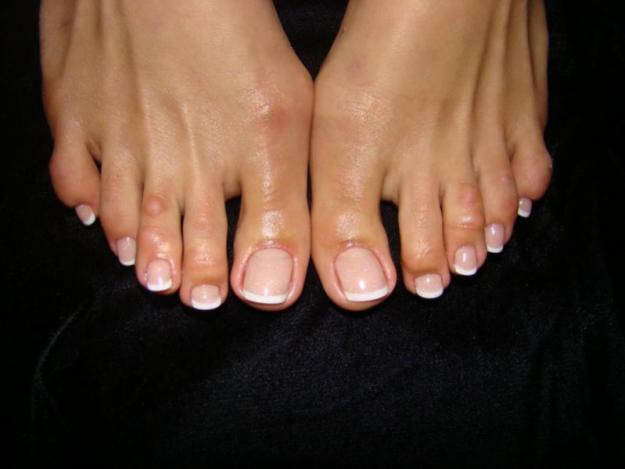 Наращивание ногтей гелем на ногах
